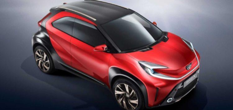 Toyota показала невеликий кросовер на базі Aygo