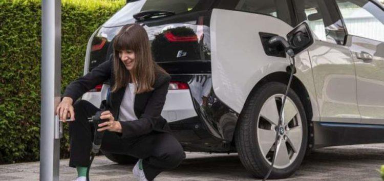 Bosch создал универсальную зарядку для электрокаров