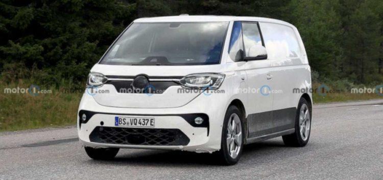 Електрофургон Volkswagen ID Buzz помітили на тестах