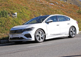 Volkswagen тестує новий електроседан