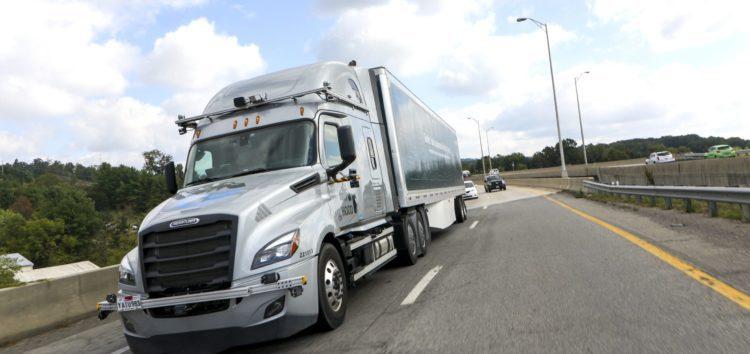У США почались випробування безпілотних вантажівок